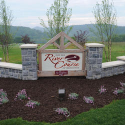 front entrance sign to pete dye river course